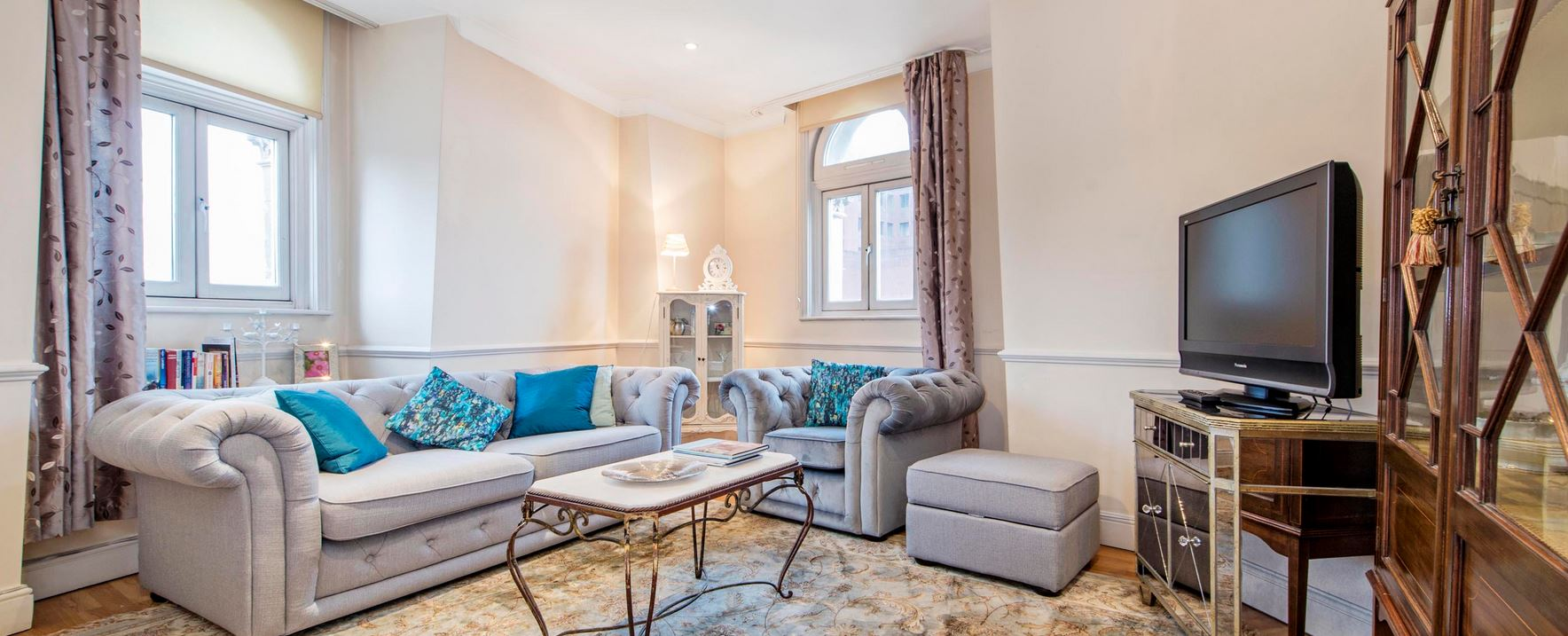 Covent Garden 2 Bedroom 2 Bathroom Penthouse