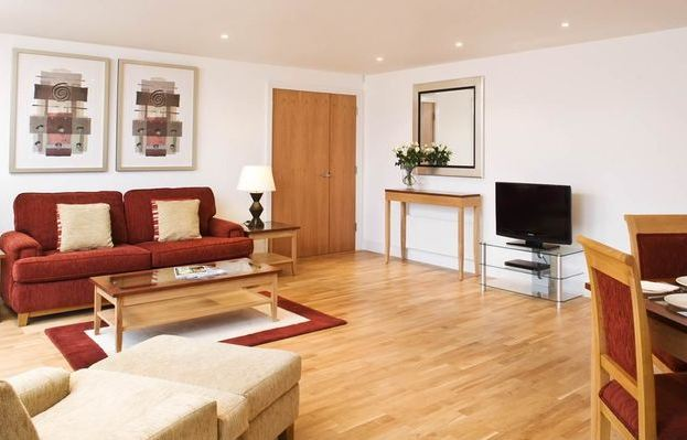 CITY OF LONDON - Modern 2 Bedroom 1 Bath